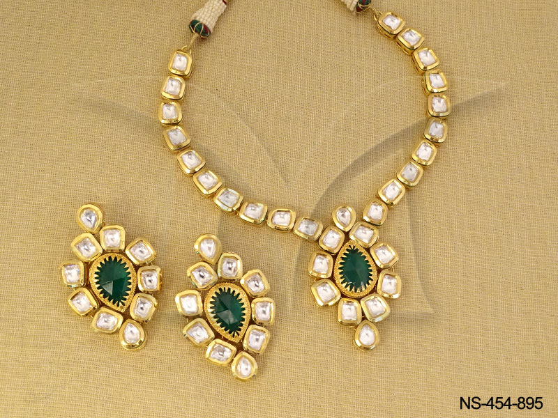 894c60eea7ba2 Kundan Necklace Sets : Green Paanshape Kundan Necklace Sets Kundan ...